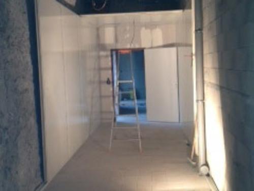 Installation chambre froide positive domaine de La Baratonne