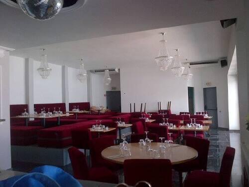 installation climatisation et cuisine Restaurant <i>légende</i>